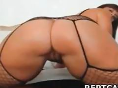brunette webcam shake ass