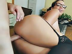 Big tits boss Sydney Leathers fucks her employee - Naughty America
