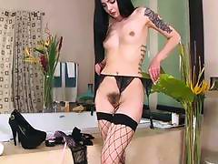 Juicy ass brunette Marley Brinx gets anal fuck for money